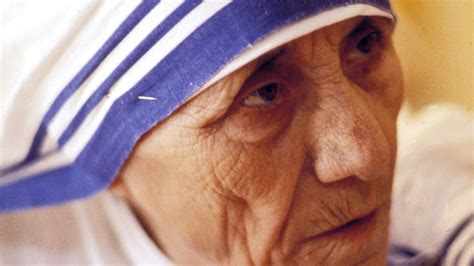 Why Mother Teresa Should Not Be Made a Saint | Teen Vogue