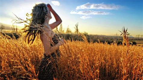 Eva Cassidy with orchestra - Fields of gold - YouTube