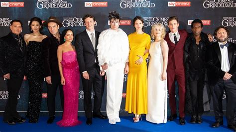 FANTASTIC BEASTS 2 UK Premiere Red Carpet - The Crimes of